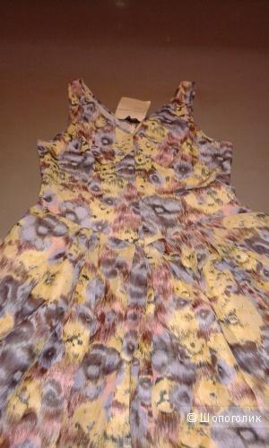 Новое летнее шелковое платье 44-46 с этикеткой