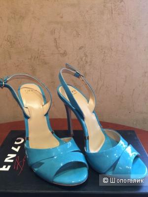 Новые лаковые голубые босоножки Enzo Brera 36 размер.