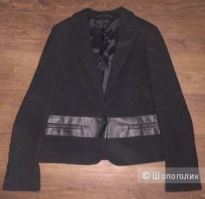 Шерстяной пиджак новый от МаксМара