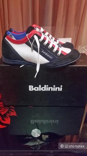 Кроссовки Baldinini,новые.