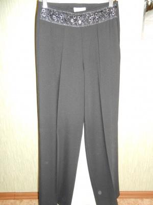 Классические брюки She р. XS-S