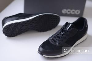 Продам новые кроссовки ECCO