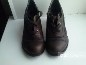 Ботинки Carnaby 37размер