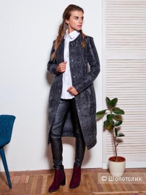 Стильное черное пальто без подкладки 48 размер