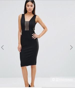 Черное приталенное платье с сетчатыми вставками