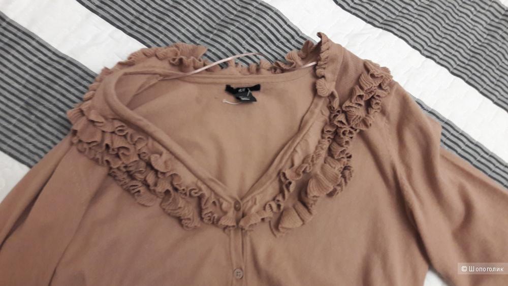 H&M:  романтичный джемпер цвета нюд