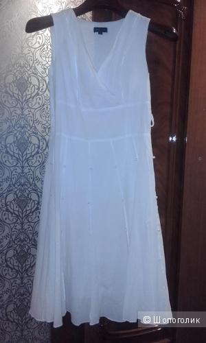 Брендовое белое платье без рукавов BCBG Max Azria, 40-42