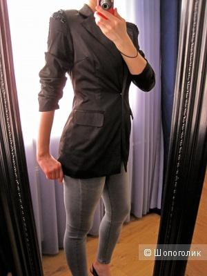 Черный атласный удлиненный пиджак с подплечниками Arrogant Cat London