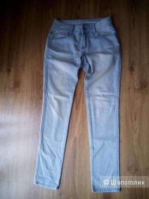 Стильные голубые джинсы датского бренда Vila размер 28