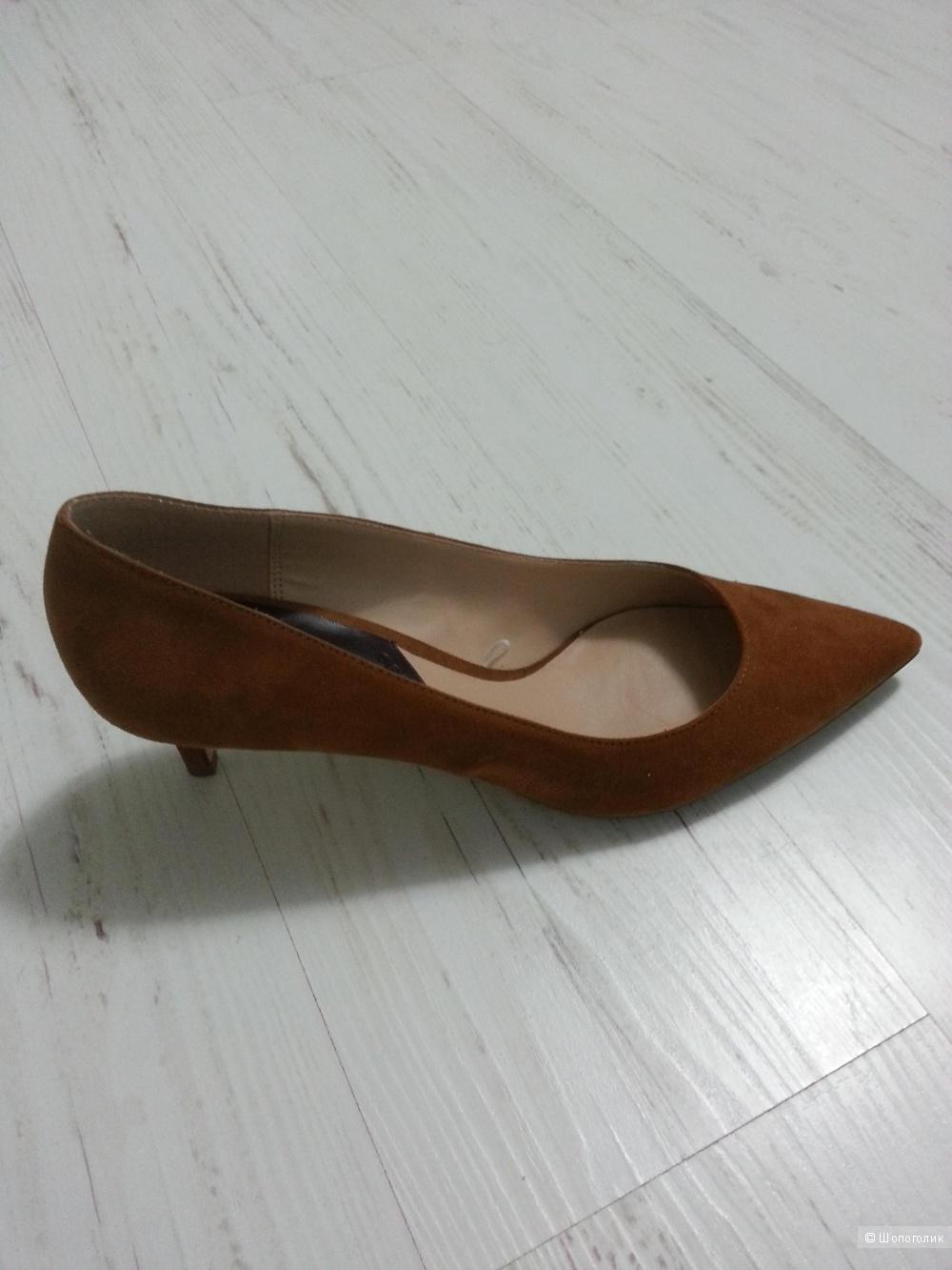 Туфли Манго новые 40 размер велюровые горчичного цвета