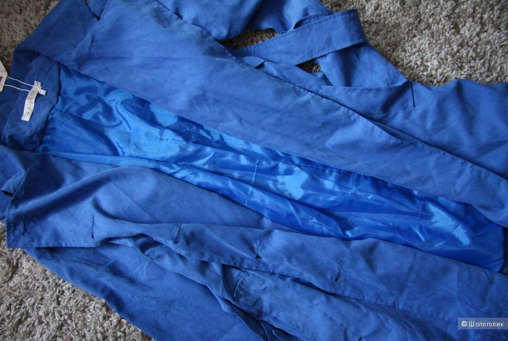Новый голубой тренч S