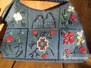 Небольшая винтажная сумочка, расшитая бисером и пайетками