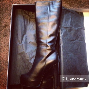 Сапоги женские кожаные на весну фирмы Roverto della croce  новые в коробке