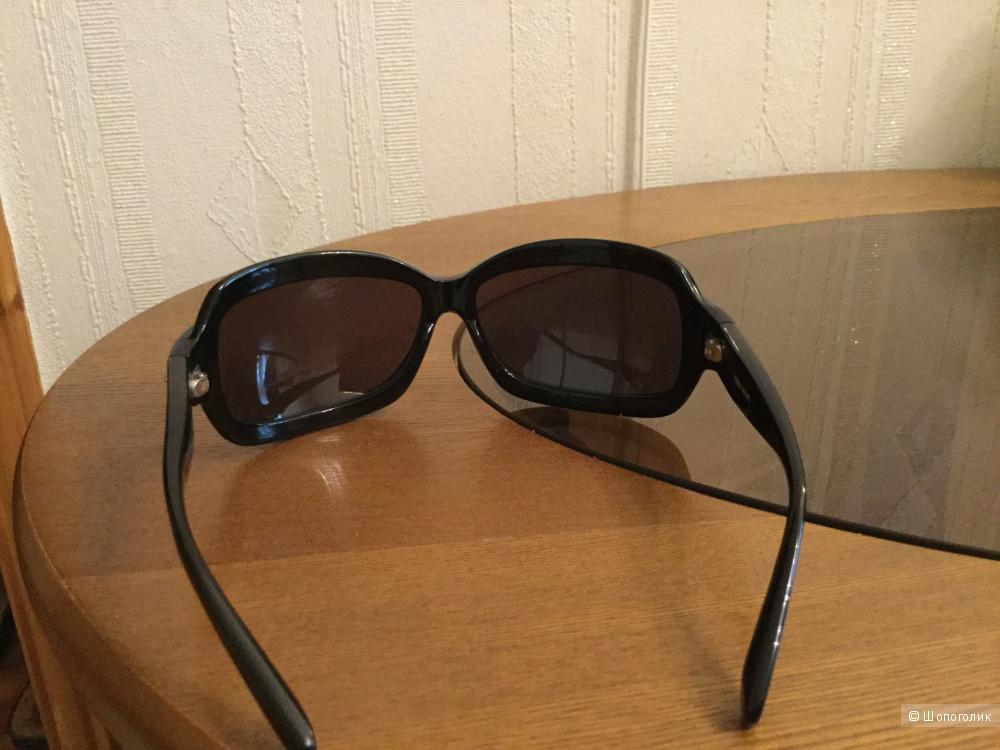 Солнцезащитные очки Vera Wang