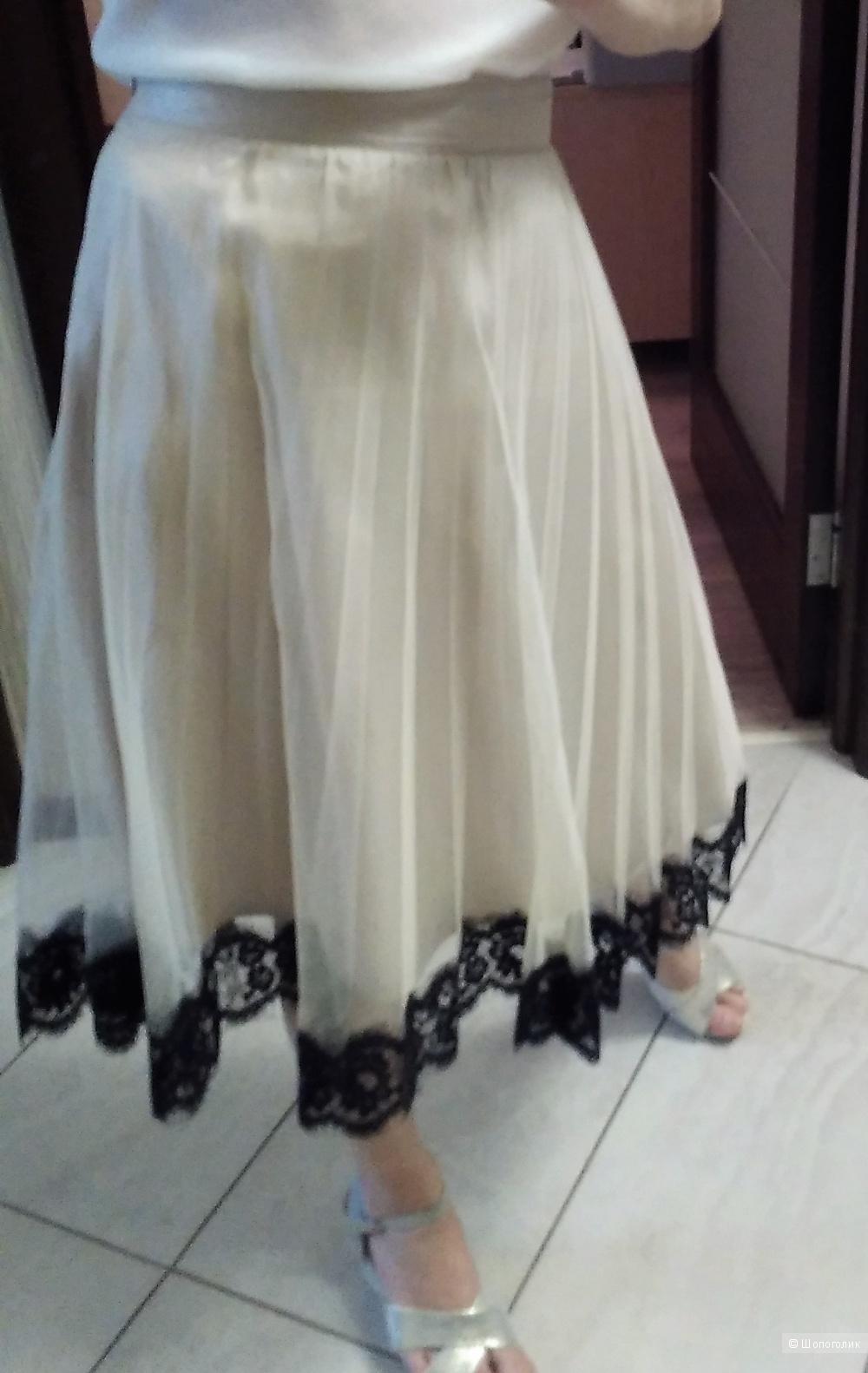 Бежевая юбка итальянской марки Dixie 42-44 размер