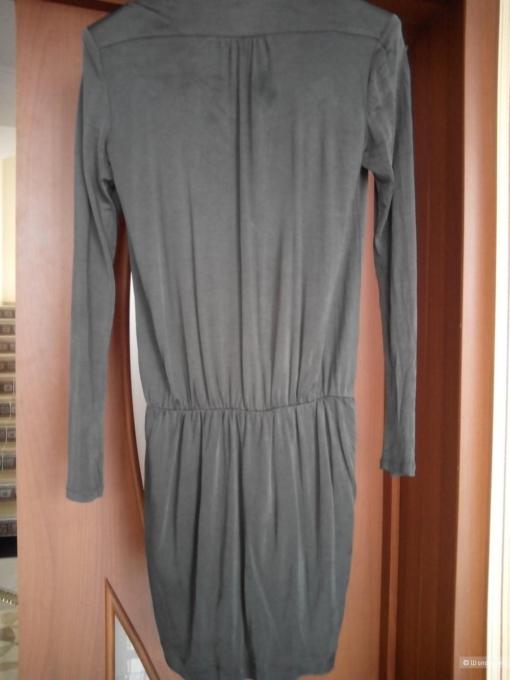 Красивое платье из струящейся вискозы Massimo Dutti размер Л