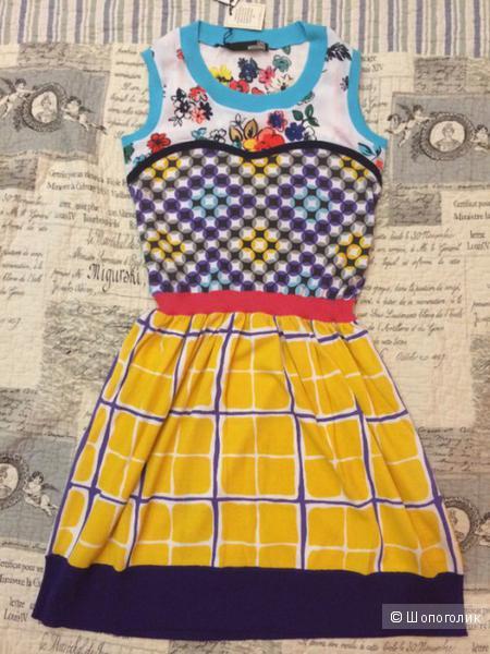 Платье love maschino новое размер 40-42