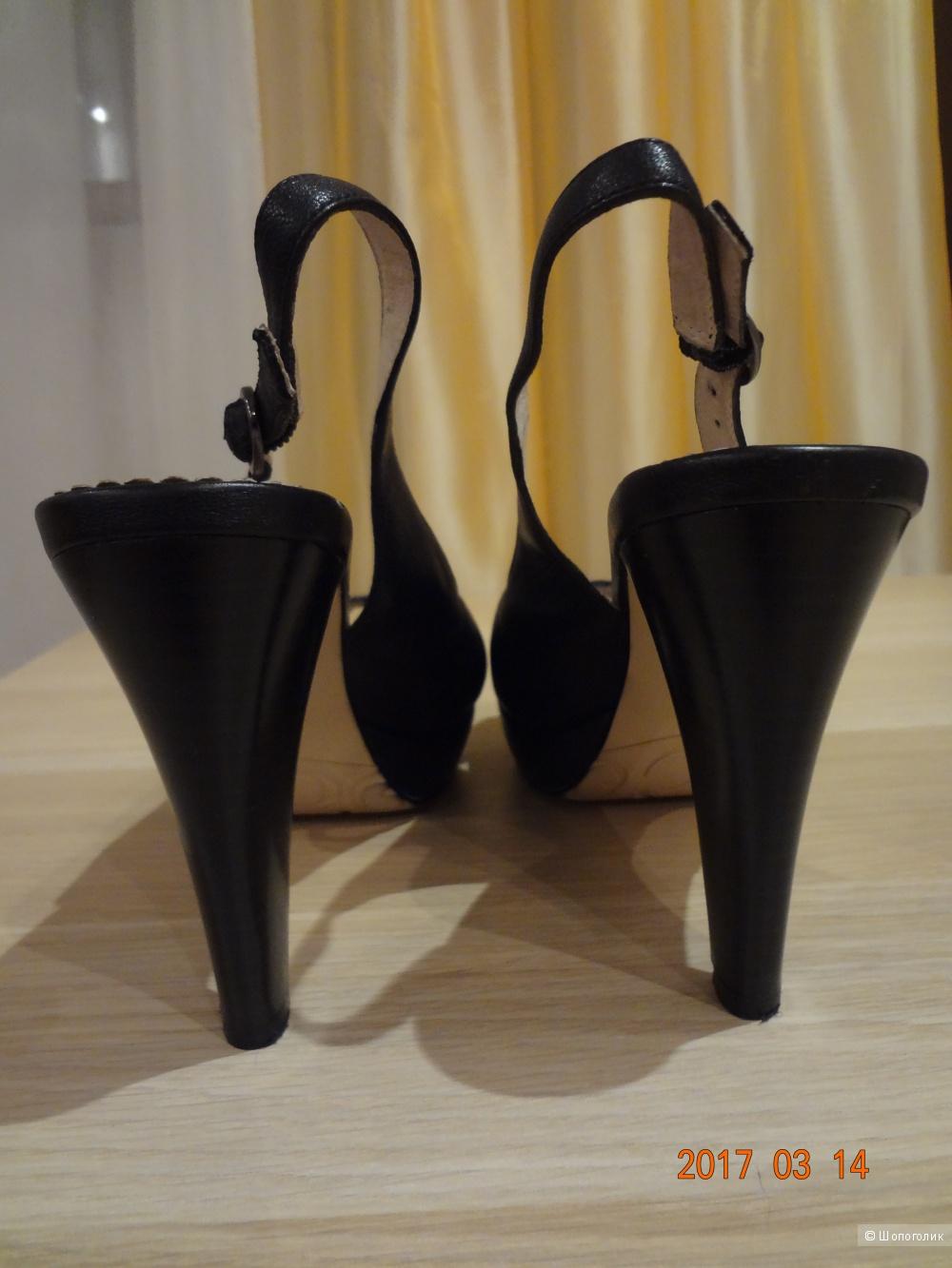 Кожаные босоножки Covani, 37