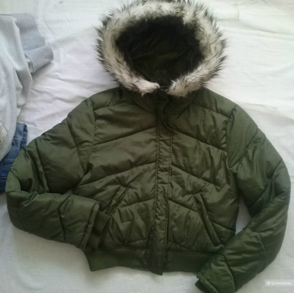 Куртка демисезонная  42-46 оливкового цвета