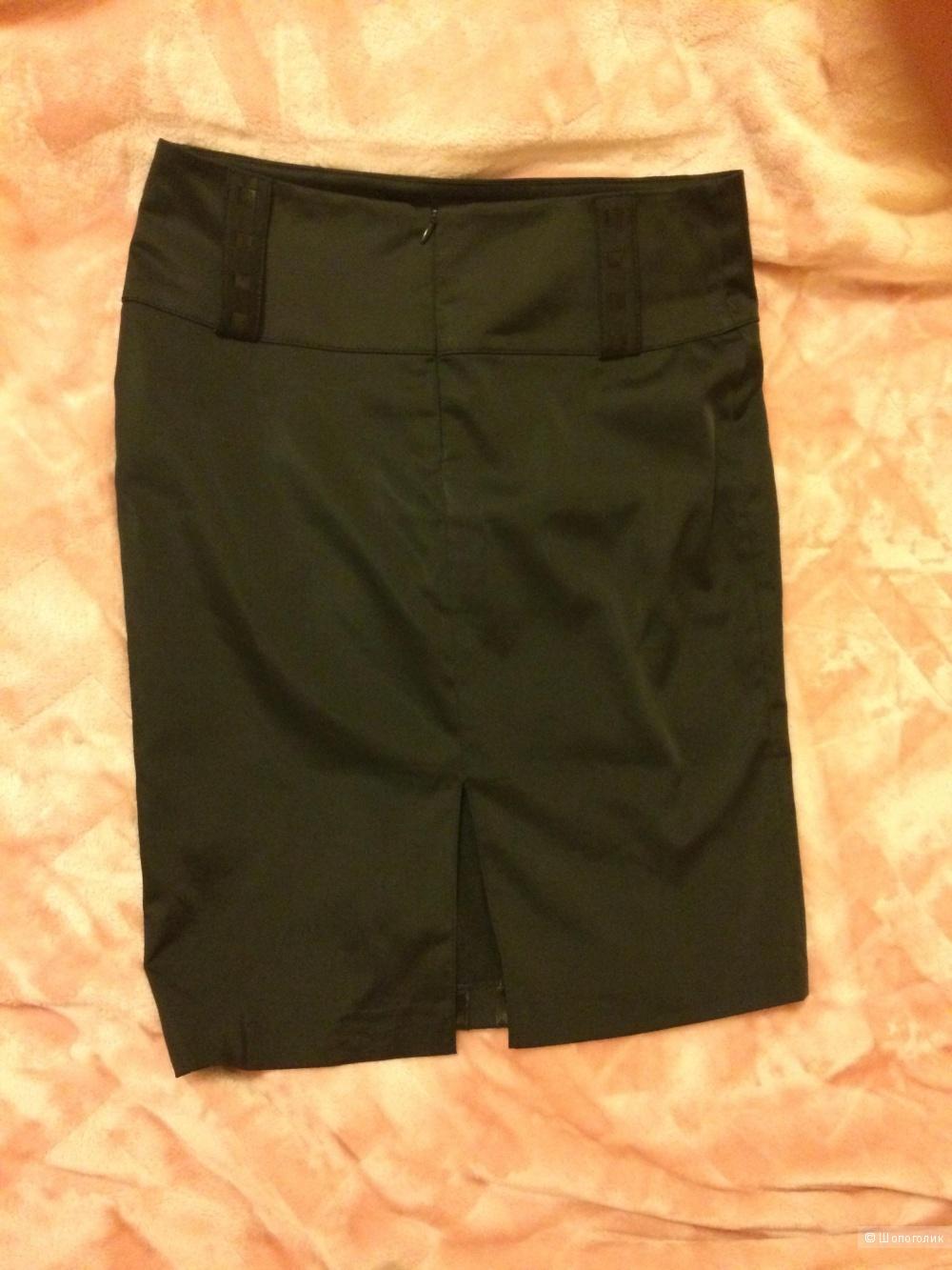 Атласная юбка карандаш. Размер 42.
