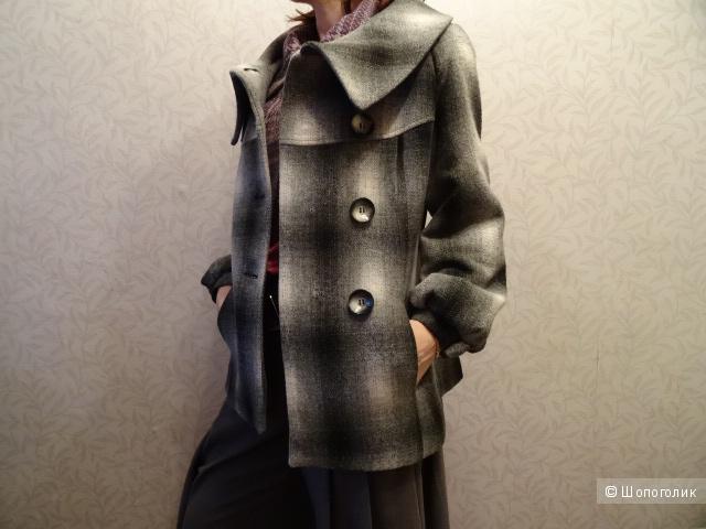 Пальто в серых тонах, размер 42-44, б/у