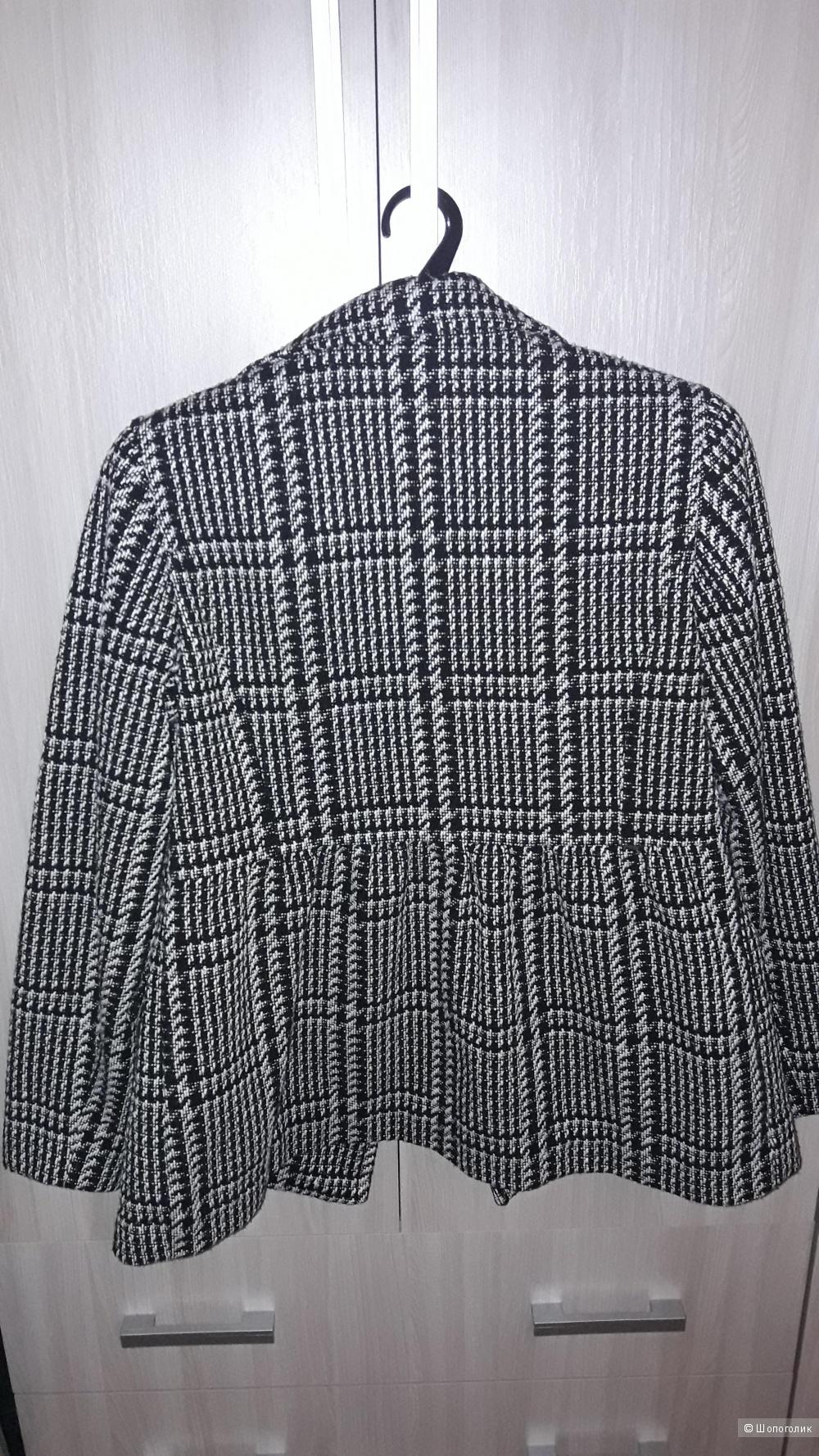 Пальто короткое Tommy Hilfiger 48 размера.