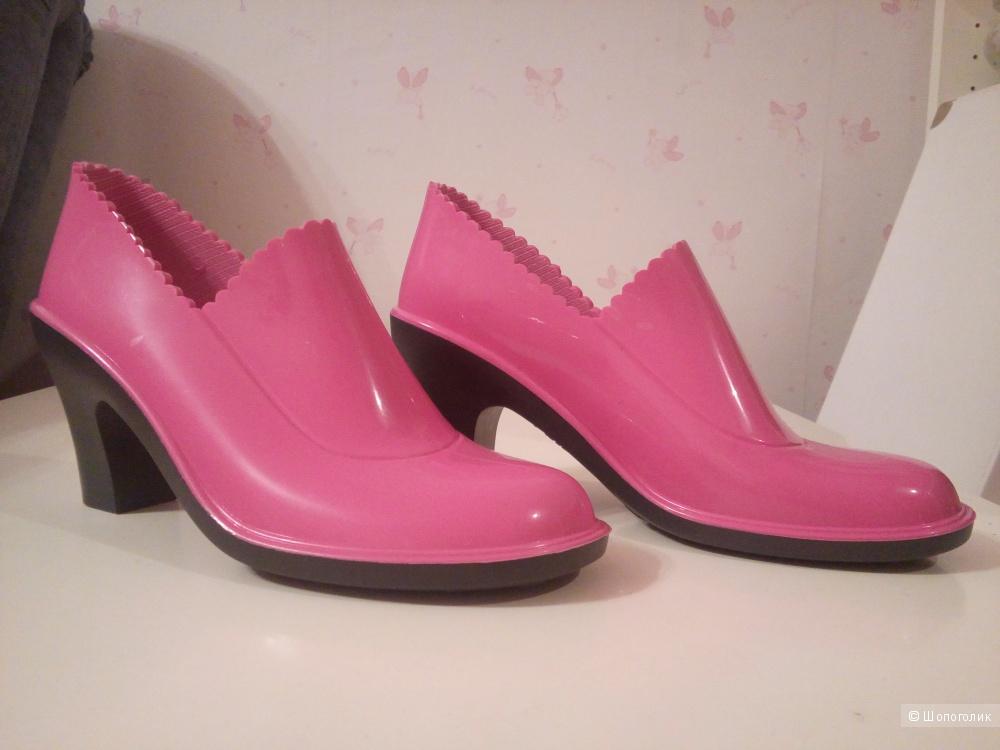 Новые резиновые  ботинки от SANDRA, 36 размер