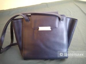 Натуральная кожаная сумка темно-синего цвета Mandarina Duck