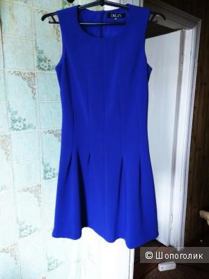 Платье, красивого синего цвета 40 размера, идет на 42 российский! Недорого!