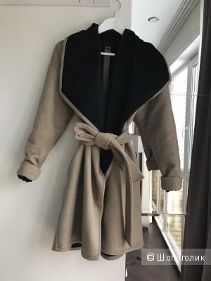 Уютное бежевое пальто халат Mango Xs, шерсть 30% без подклада