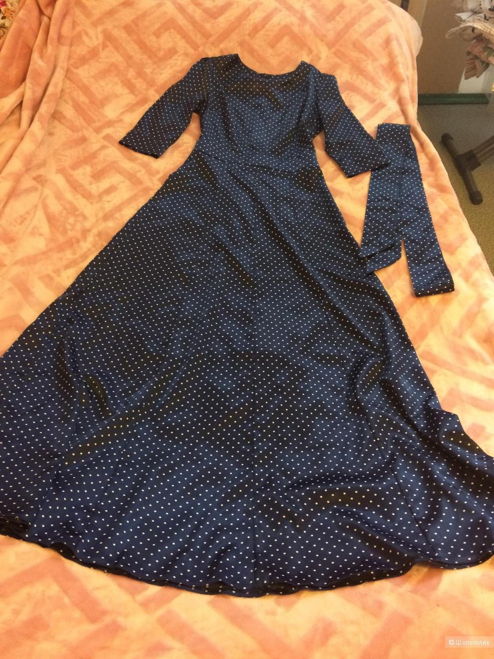 Длинное атласное платье в горошек, размер 40-42