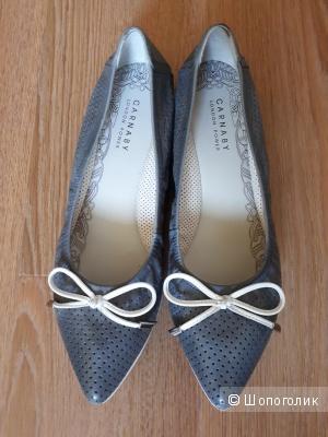 Туфли на плоской подошве Carnaby 37 размера из натуральной кожи