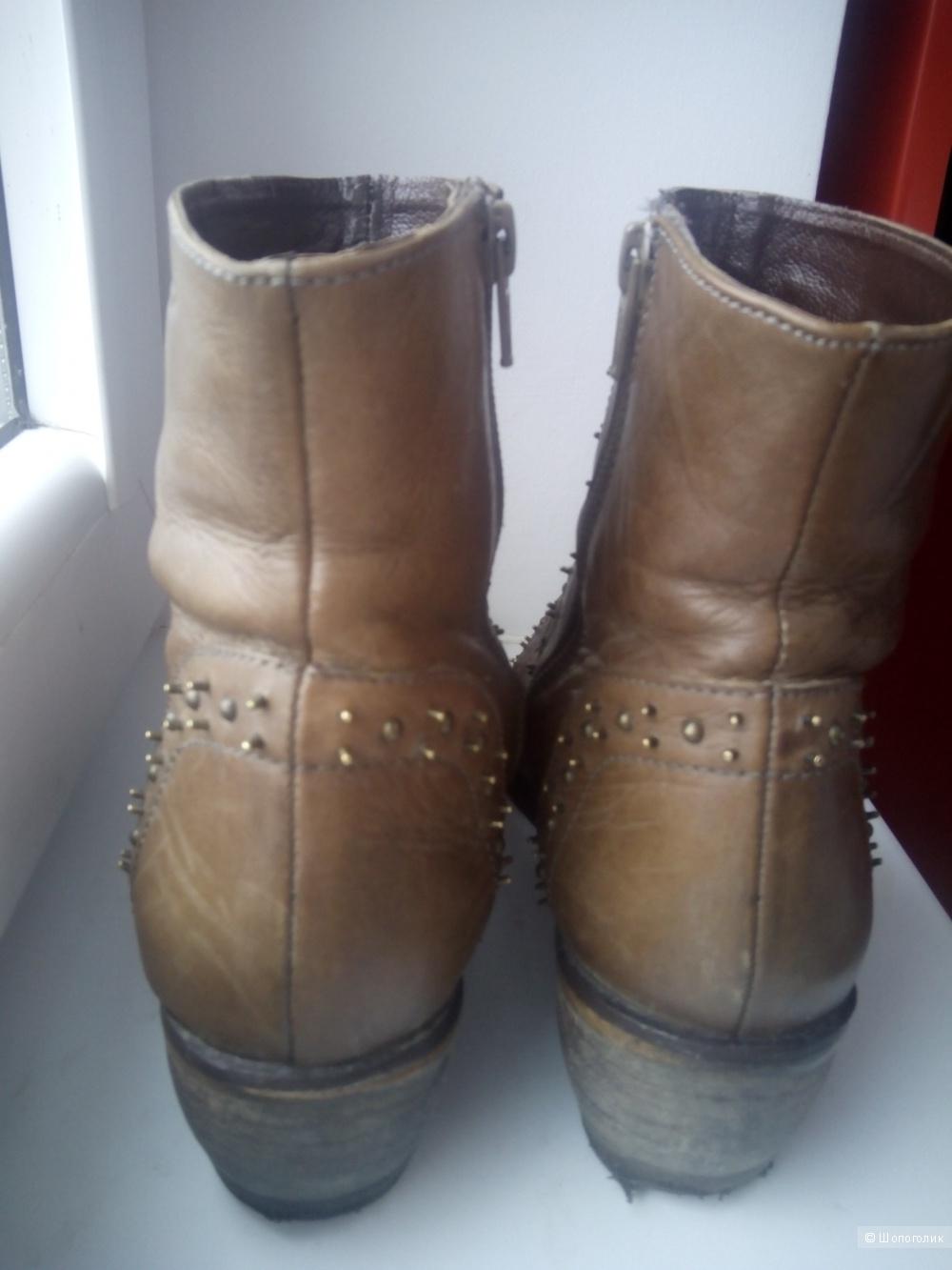 Кожаные ботинки-броги цвета коньяка Ilario Ferucci 38 размер.