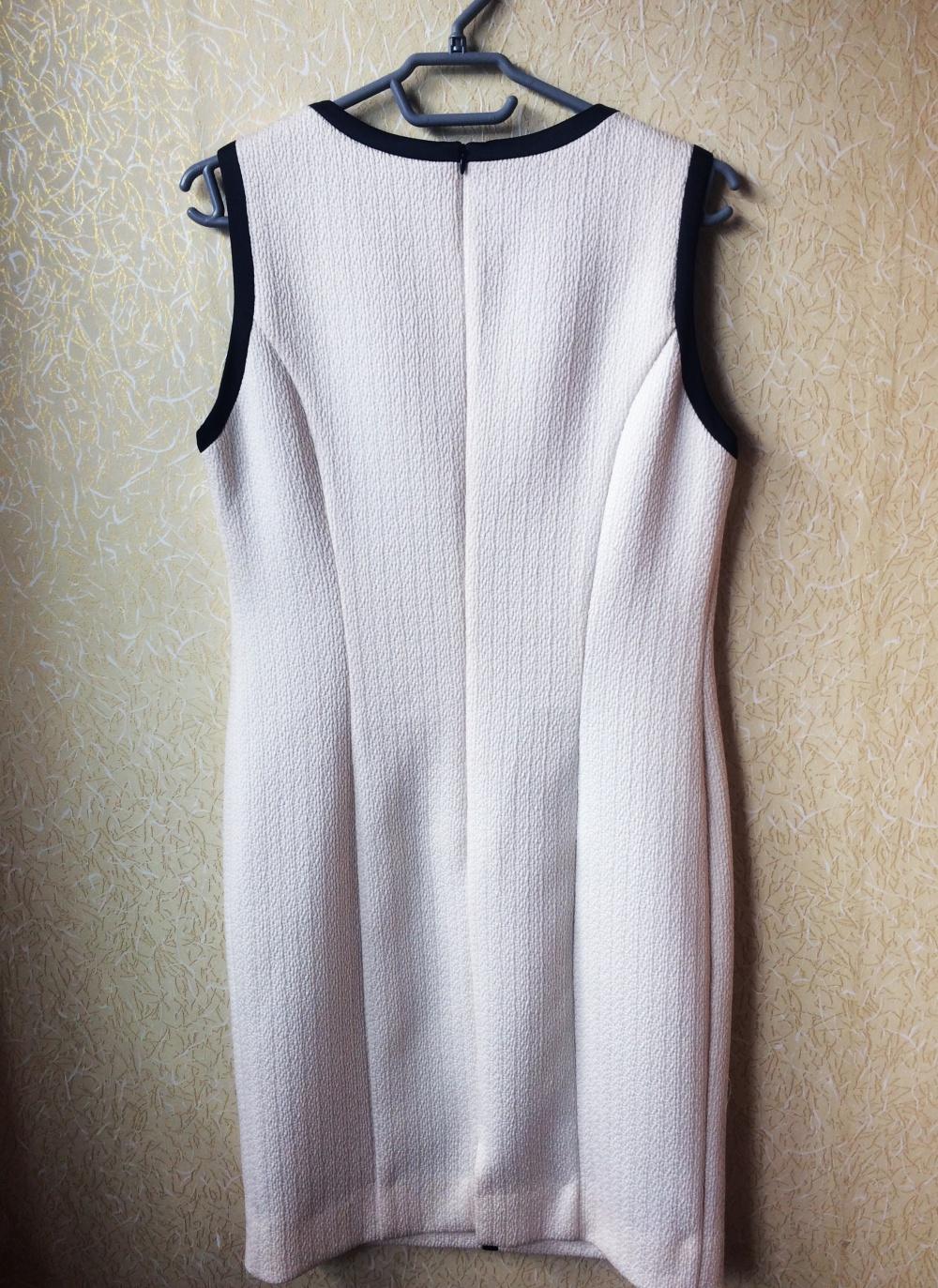 Кремовое платье-футляр Lakbi (size 48)