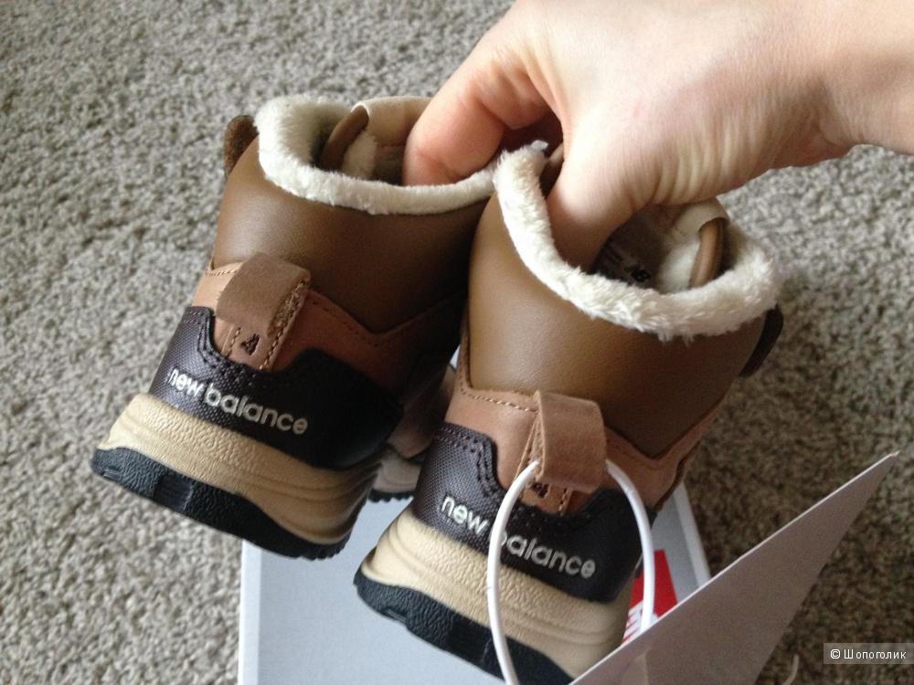 Новые ботинки New balance оригинал на 17,5-18см