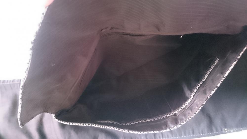 Клатч кожаный под питона.