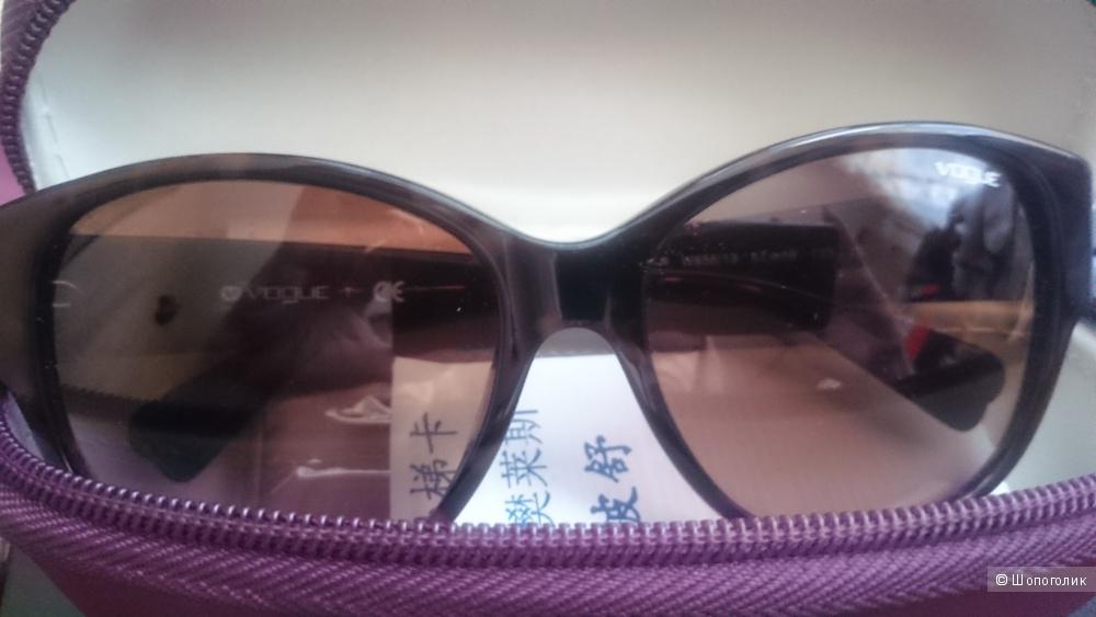 """Солнцезащитные очки """"кошачий глаз"""" Vogue"""