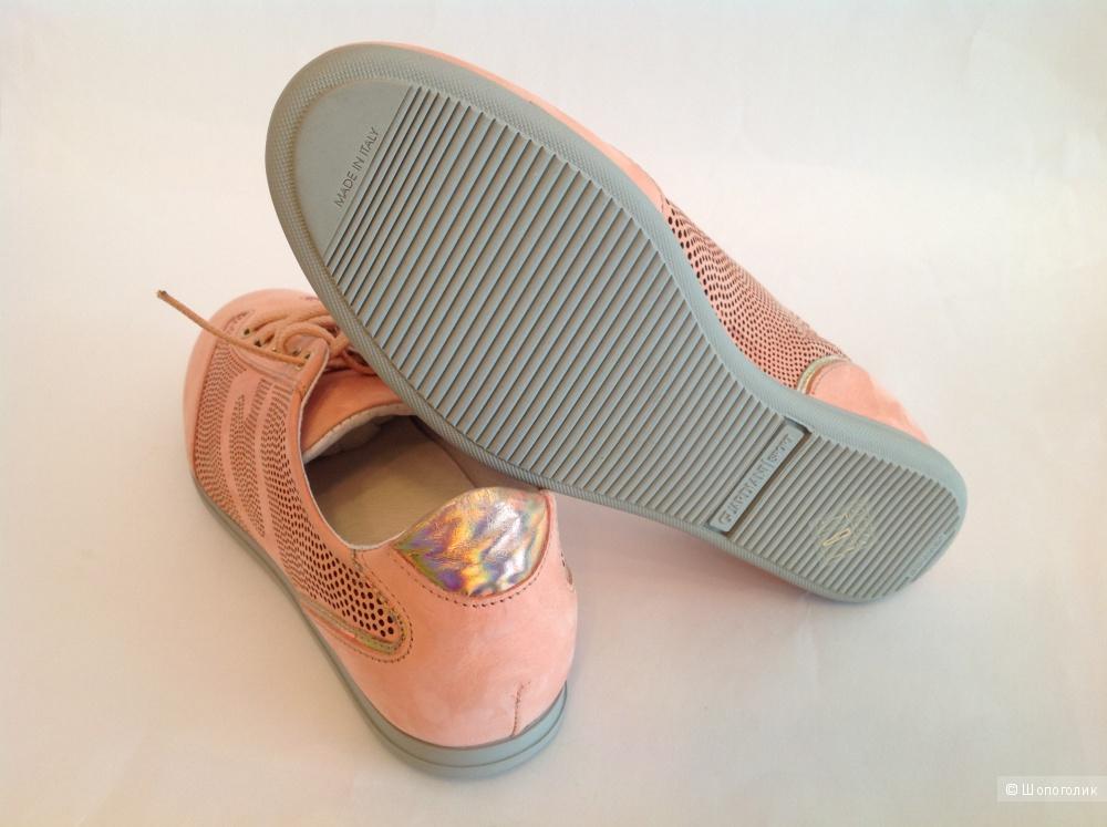 Суперстильные кроссовки GUARDIANI SPORT Италия новые размер 37-37,5
