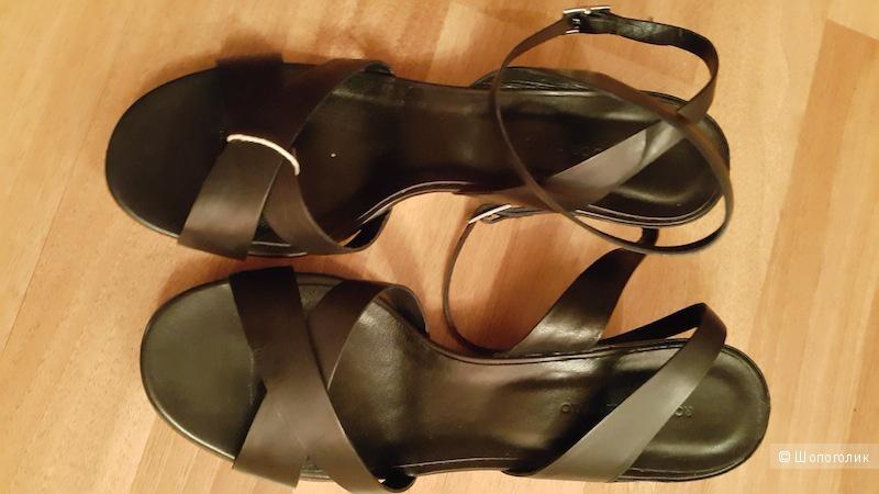 Черные кожаные босоножки ROBERTO DEL CARLO