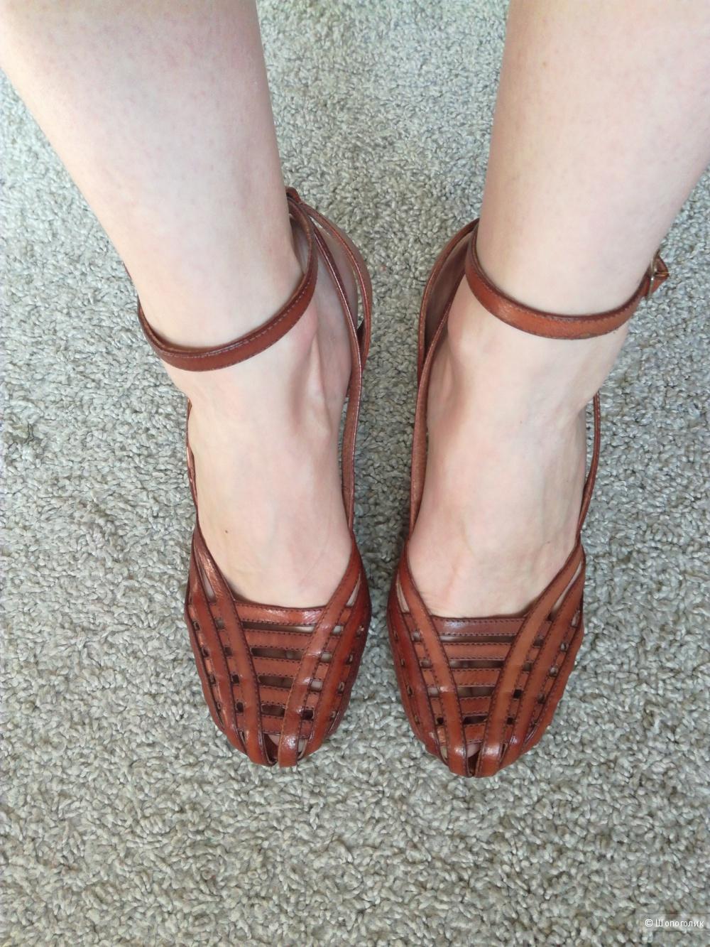 Босоножки кожаные Evado 37-37,5 размер