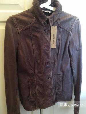 Куртка кожаная новая DKNY размер XS