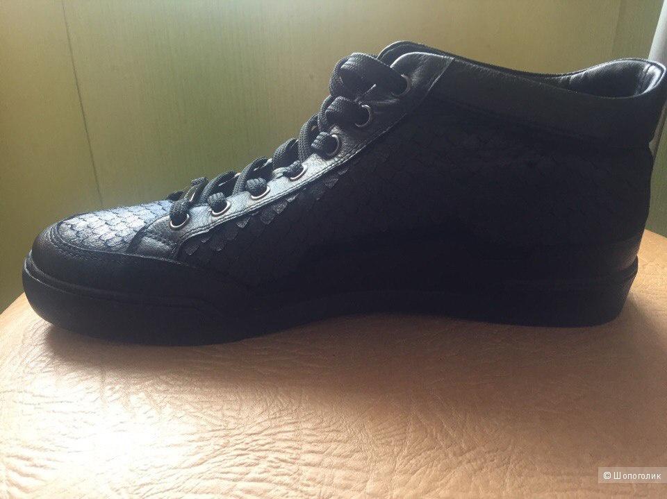 Мужские ботинки 44 размера.
