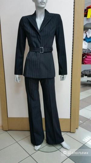 Стильный деловой костюм Vassa р-р 42 русс