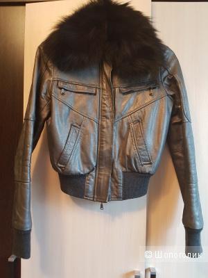 Продаю куртку итальянской марки Imperial из натуральной кожи цвета металлик.