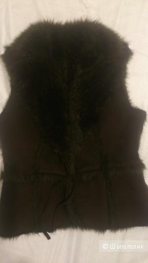Меховой жилет,44_46р,коричневый.