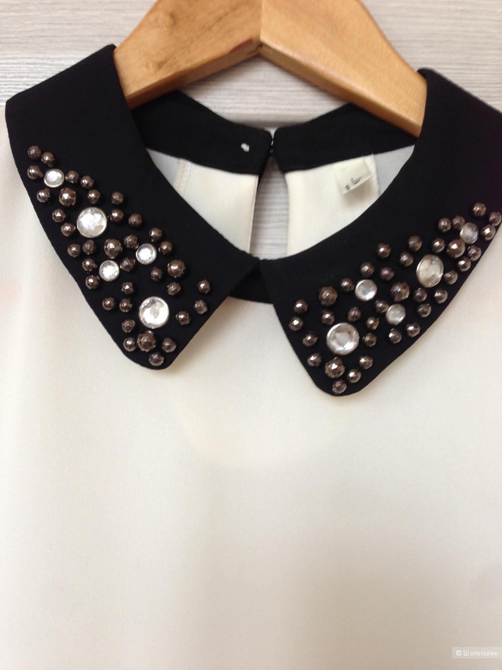 Блуза с декорированным воротником, размер S-M