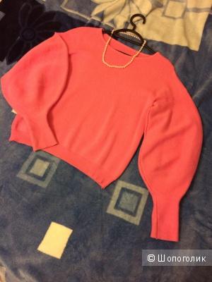 Нарядный розовый свитер, размер 40-42