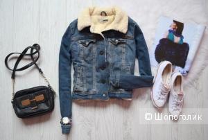 Levis: женская джинсовая куртка, оригинал, М
