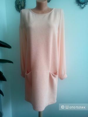Платье Rinascimento Италия размер l персикового цвета