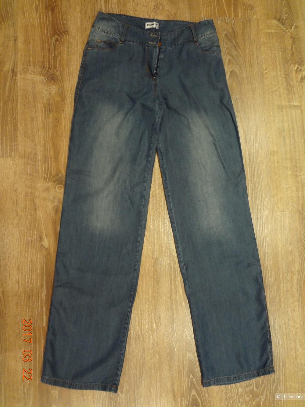 Новые брюки свободного кроя из легкой джинсы, 44